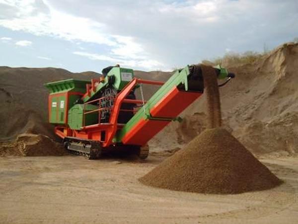 Maquinaría móvil para canteras y minerias.